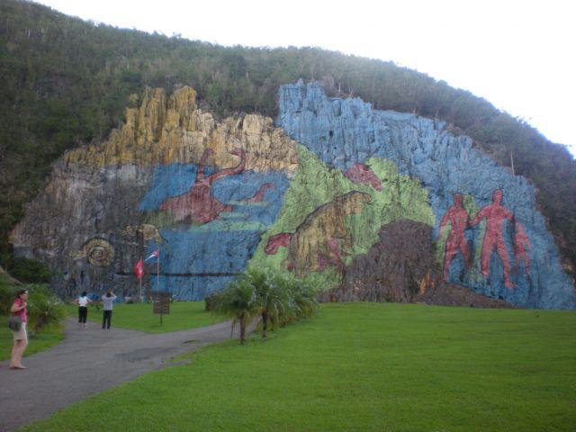 Mural de la prehistoria fotos de ocio for Mural de la prehistoria cuba