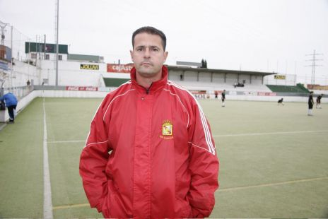 Faustino - entrenador 1ª juvenil.jpg