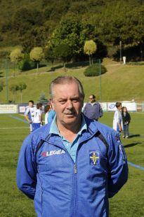 Pepe Martín - entrenador.jpg