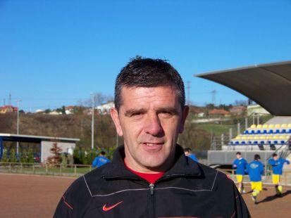 Roberto Mon - entrenador 2 juvenil