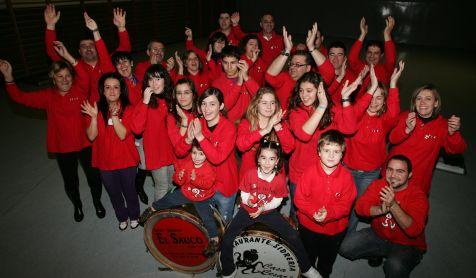 Miembros de la charanga Los Tardones