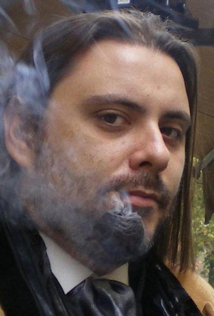 Martín Cid, fumador de pipa
