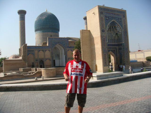 Un asturiano sportinguista en Uzbekistan