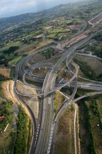 acceso Autopista Minera