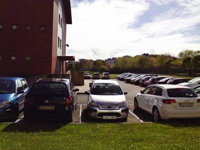 zona amplia aparcar