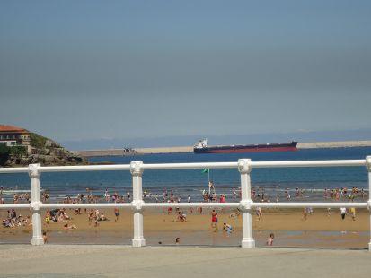 Zarpando del puerto de El Musel