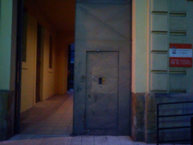 El portón original del cuartel del Simancas
